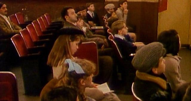 As poltronas do cine Alcazar (Les sièges de l'Alcazar, dir. Luc Moullet, 1989)