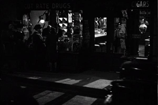 Sabotador (Saboteur, 1942) 01h01min57