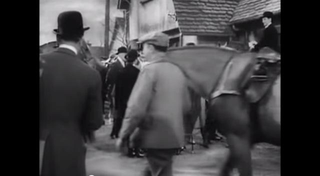 Suspeita (Suspicion, 1941) 4min